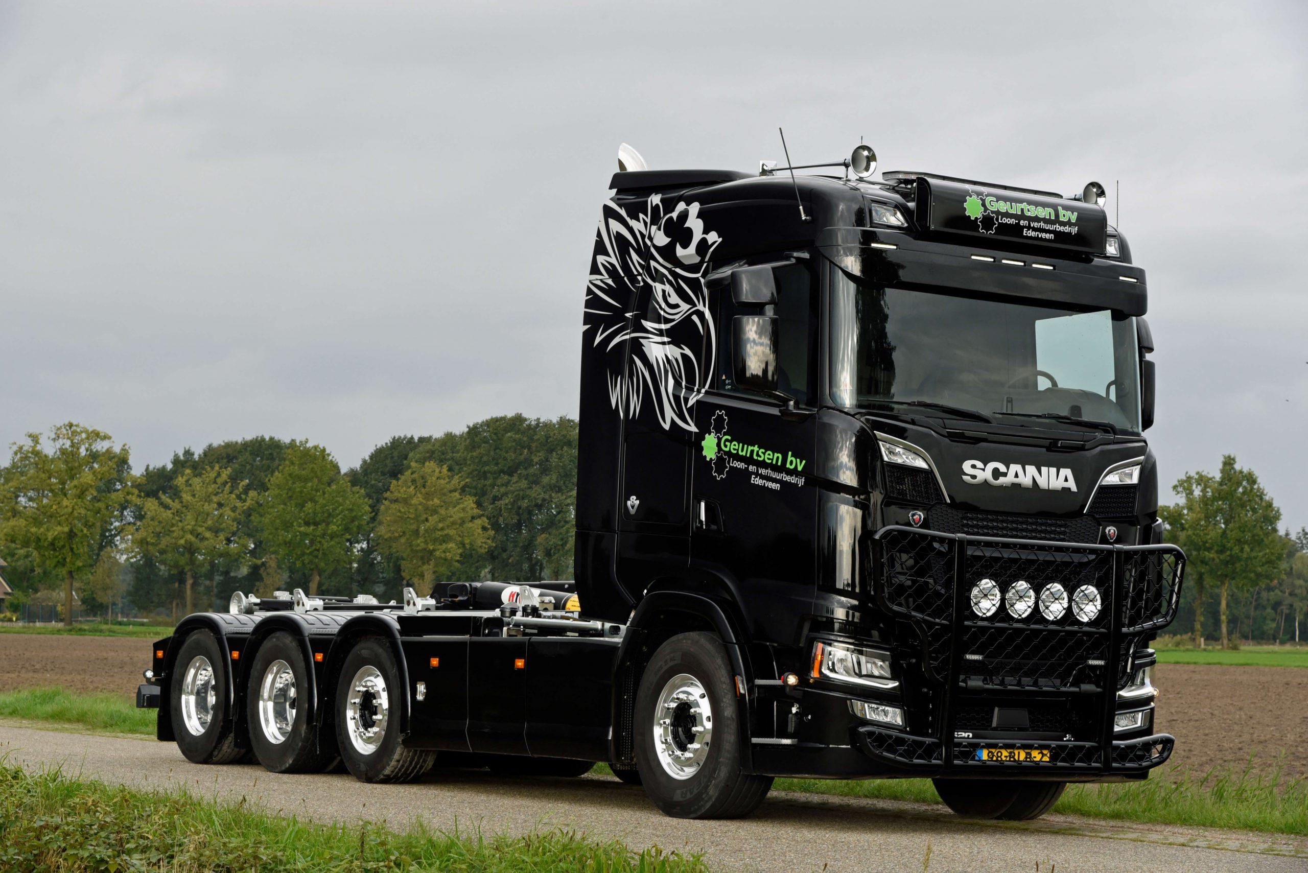 Bestickering nieuwe vrachtwagens Geurtsen B.V.